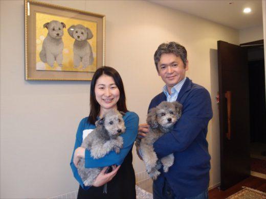 野田 努さん、佳代さんご夫妻  二匹の犬も写真よりも絵の方が性格や感情が伝わってくるようで、宝物です。
