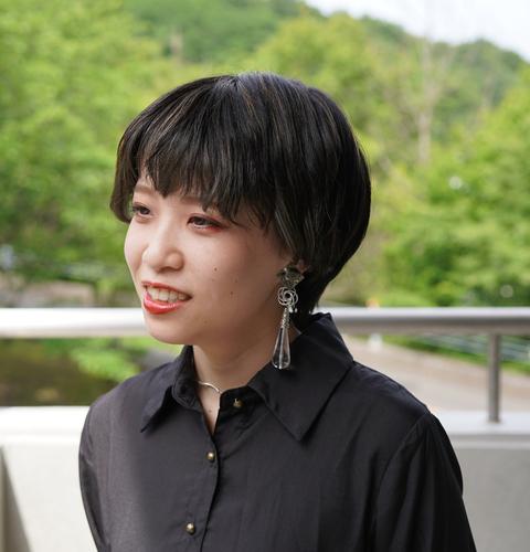 山本 瞳 Hitomi Yamamoto